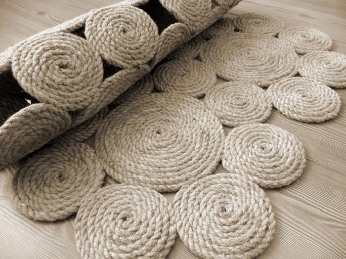 d699138afc53c8f1b193ab9556cf7fbb Коврики своими руками - 80 фото идей создания входных и напольных ковров