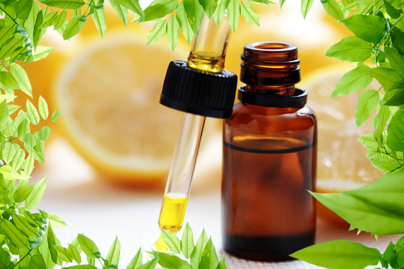 Добавление эфирного масла лимона в шампунь