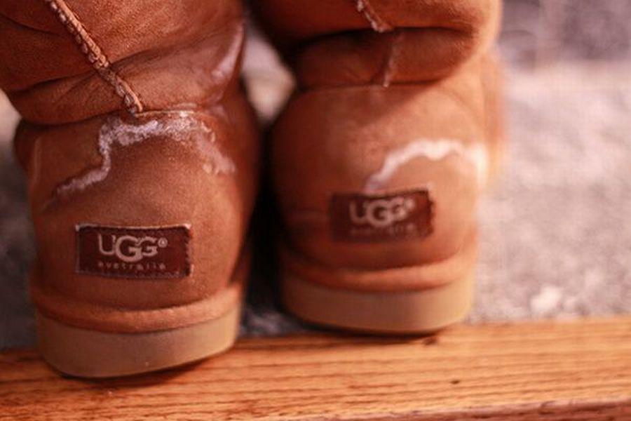 Чем вывести пятна соли с замшевой обуви фото