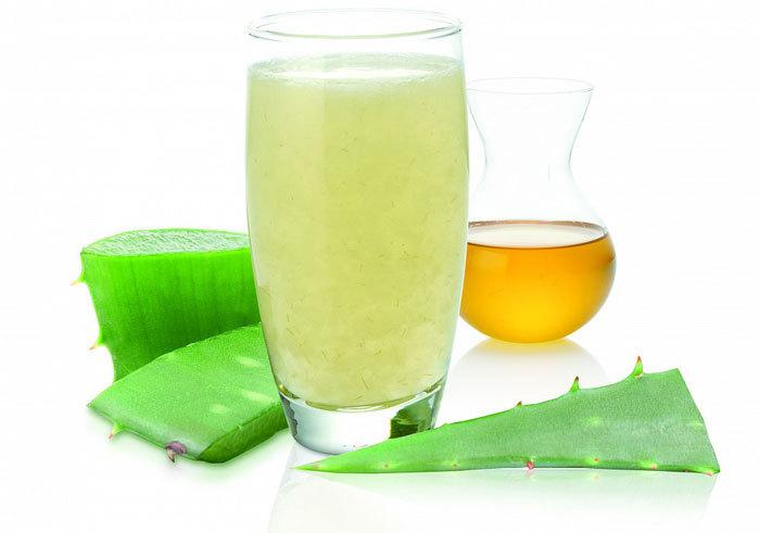 При панариции помогают сок алоэ с оливковым маслом.