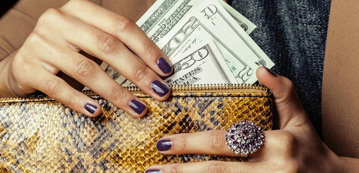Чтобы в новом кошельке водились деньги, проведите определенные ритуалы