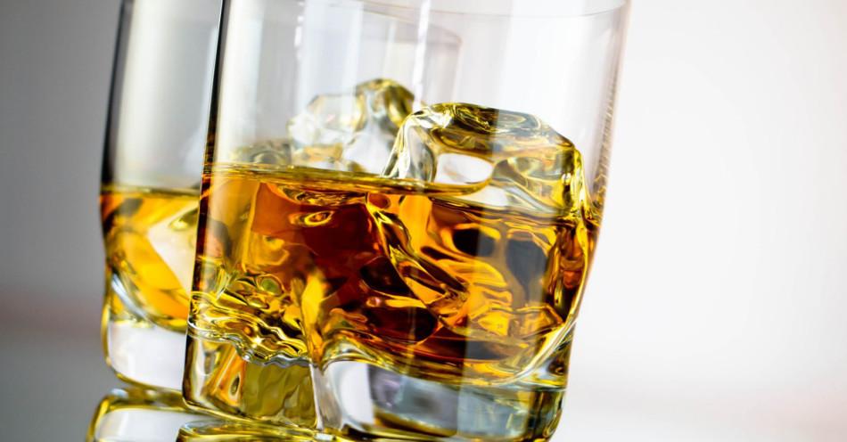 Алкогольные напитки - высококалорийные продукты