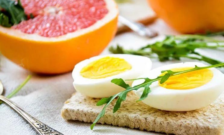Грейпфрутовая диета с яйцами, белком