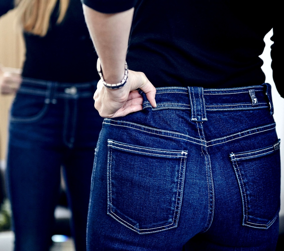 На 1 размер джинсы можно растянуть несколькими способами