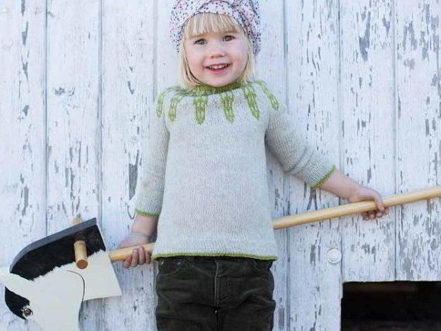 вязание вещей для девочки 3 4 года спицами простые и красивые