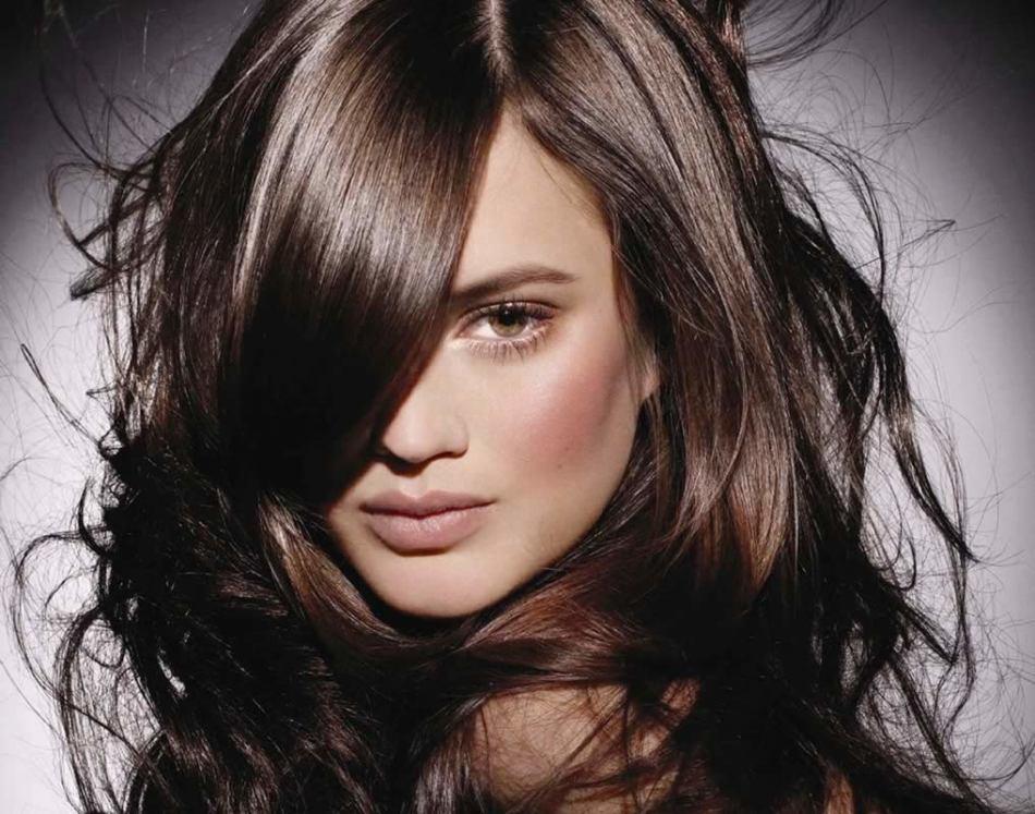 Темно-коричневые волосы