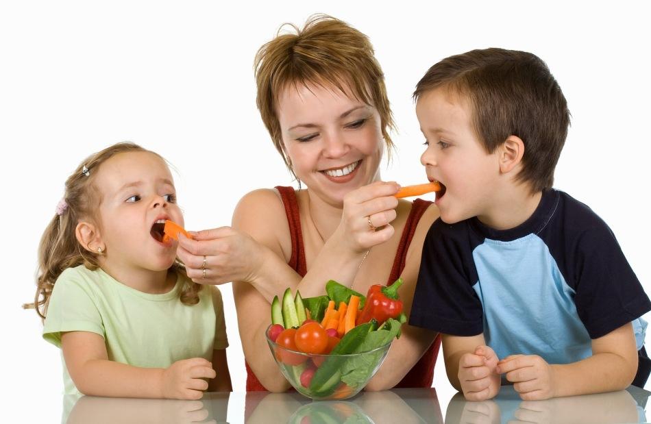 Сбалансированное питание предупредит кариес постоянных зубов у ребенка