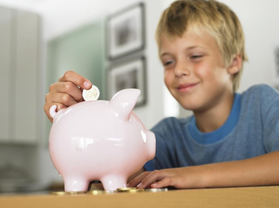 Ребенок копит деньги