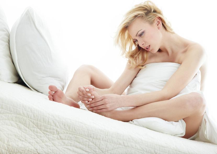 Массаж стопы и пальцев ног помогут восстановить чувствительность