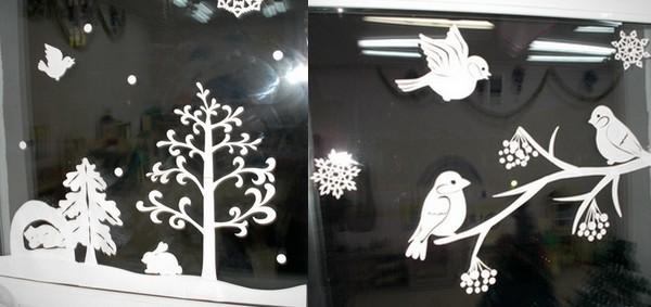 oformlenie-okon-babochkami-i-ptichkami-iz-bumagi-k-novomu-godu-svoimi-rukami-idei Шаблоны цветов для вырезания из бумаги разных размеров. Бабочки из бумаги своими руками и трафареты для вырезания