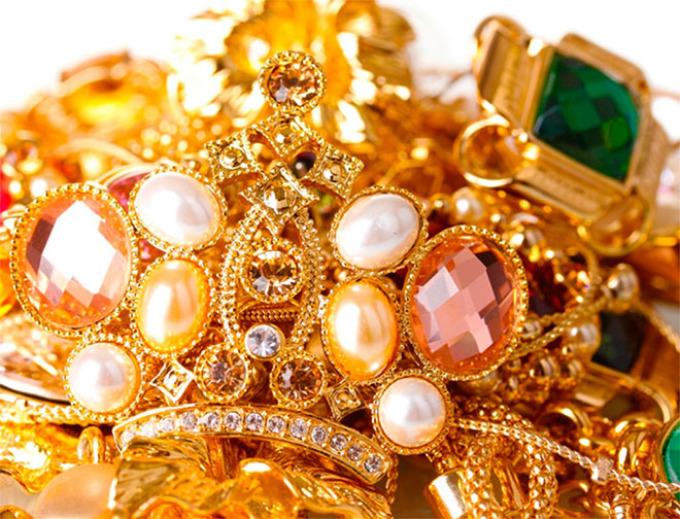 К чему снится золото, слитки золота, золотые украшения