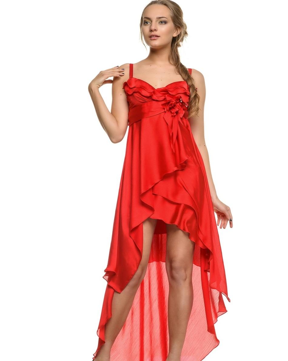 krasnoe-vechernee-plate-transformer Платье трансформер: варианты вечерних платьев. Как сшить платье со съемной юбкой своими руками?