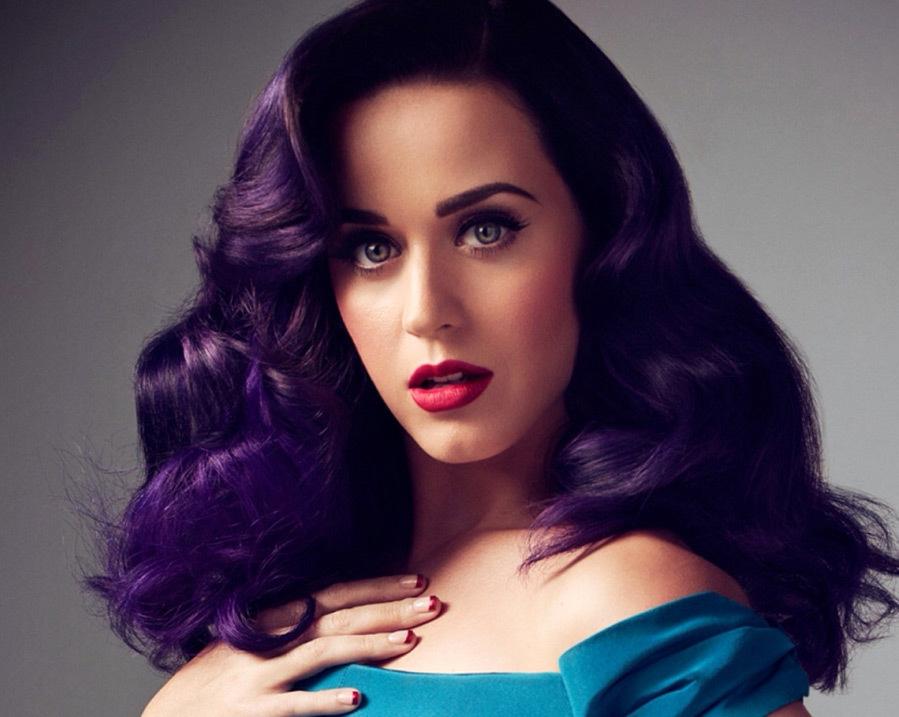 Стильный цвет фиолет