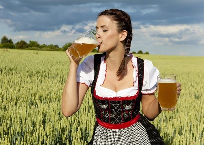 На женский организм пиво значительно хуже влияет