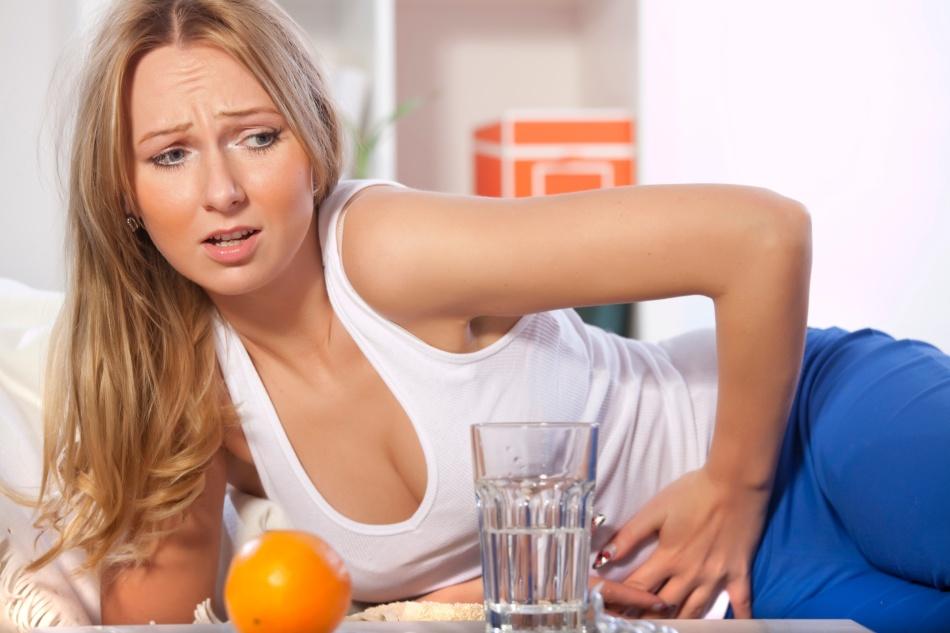 Комбинации соды с лимоном недопустимы при желудочно-кишечных заболеваниях