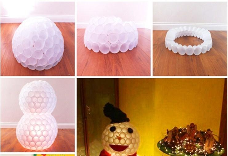 delaem-golovu-snegoviku Новогодний снеговик из пластиковых стаканчиков