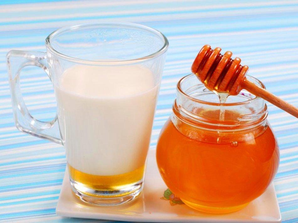 Молоко с медом помогут побороть бруксизм