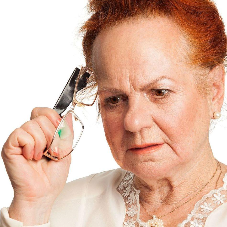 Болезнь альцгеймера начинается с потери кратковременной памяти