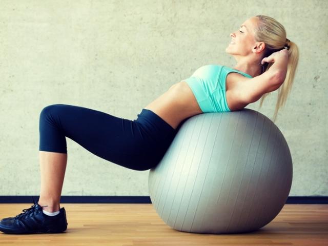 56ce387f8c5ae72 Фитбол: упражнения для грудничков, похудения, беременных, дошкольников,  женщин, на пресс, при запорах, после родов, пожилых, для всего тела. Как  купить мяч ...