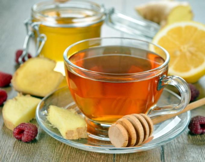 Лимонный чай с имбирем и медом не только вкусно, но и полезно