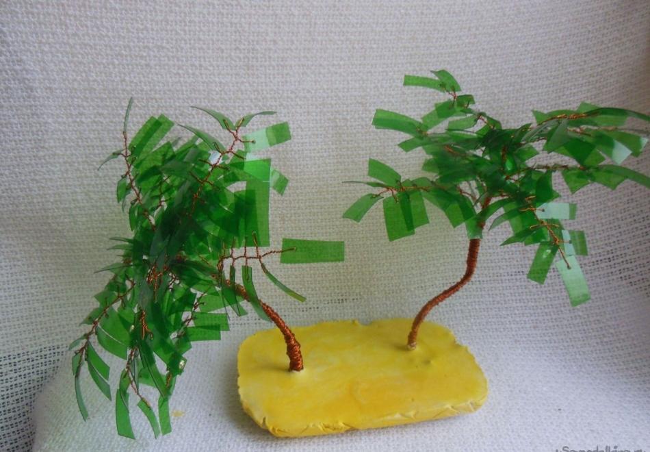 Аскрашивание острова для пальмы-бонсай из пластиковой бутылки