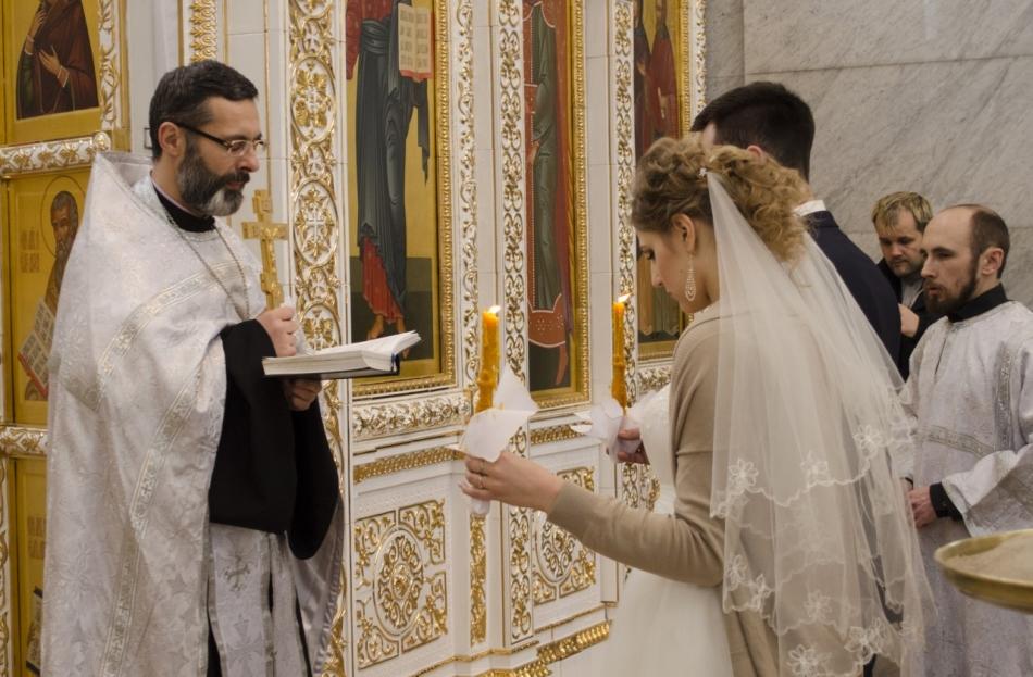 Венчание должно происходить в соответствии с церковным календарем