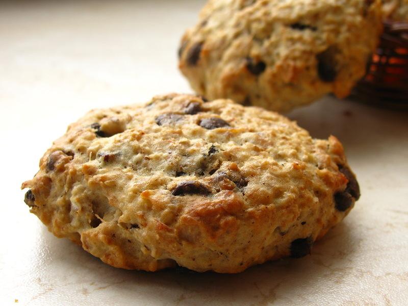 Овсяное шоколадно-кокосовое печенье очень любят детию