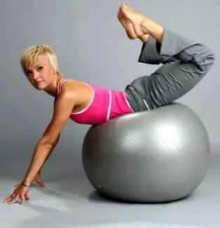 Алена мордовина разработала технику сочетания пилатеса и йоги