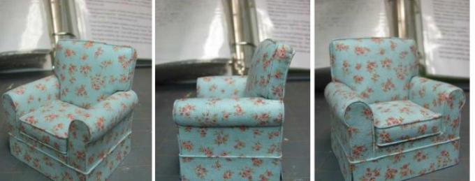 kak-sshit-kukolnoe-myagkoe-kreslo-svoimi-rukami-iz-podruchnih-materialov-rabota-gotova Домик и мебель для кукол своими руками из картона: схема, выкройка, фото. Как сделать кровать, диван, шкаф, стол, стулья, кресло, кухню, холодильник, плиту, коляску для кукол из картона своими руками