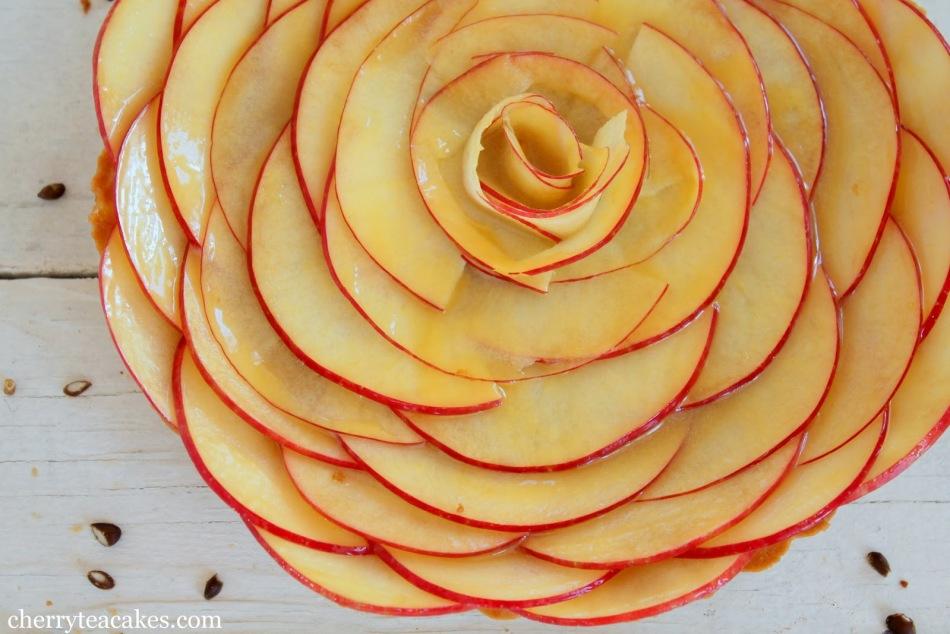 eb3252faa51f09f6e66970126e0d052f Вкусная и красивая мясная нарезка - фото идеи, мясное ассорти
