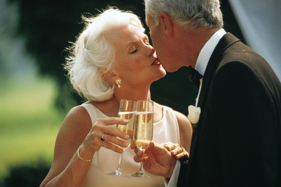 Поздравление с днем свадьбы уже немолодых людей
