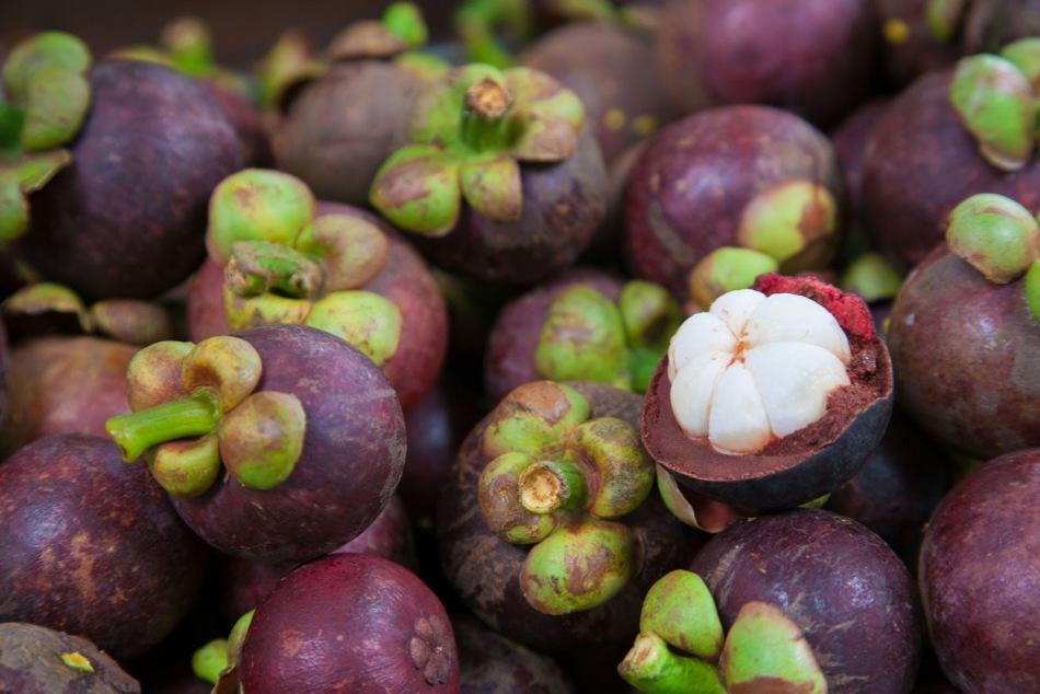 другие азиатские фрукты фото с названиями это ветвистый мощный