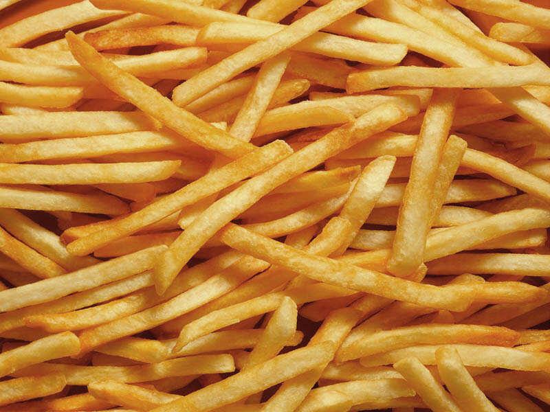 Картофель фри, приготовленный не из полуфабриката, значительно вкуснее замороженного продукта
