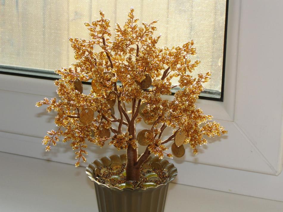 denezhnoe-derevo-iz-bisera Деревья из бисера своими руками
