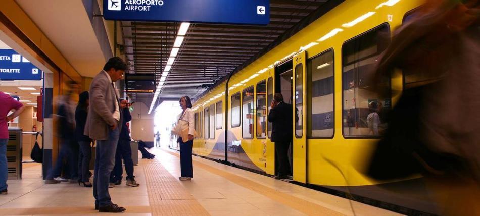 Станция метро {amp}quot;аэропорт бари{amp}quot;, апулия, италия