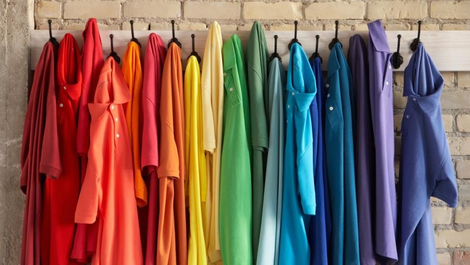 Цвет приснившейся во сне одежды имеет большое значение.