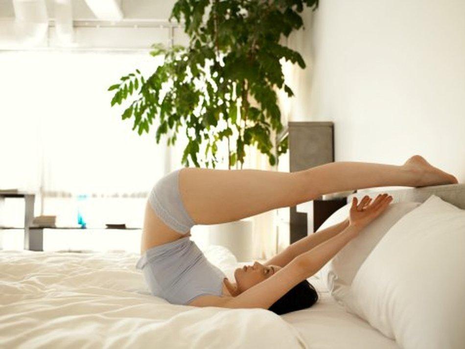Веселая зарядка в постели