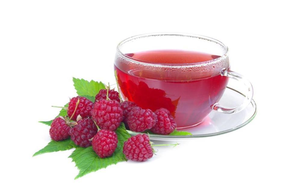 Листья малины можно заваривать вместо чая