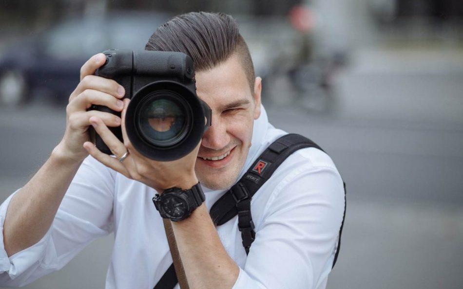 Фотосессия у хорошего фотографа - превосходный памятный подарок для девушки