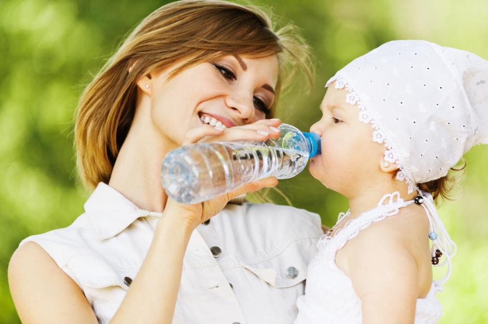 Как поить новорожденного?
