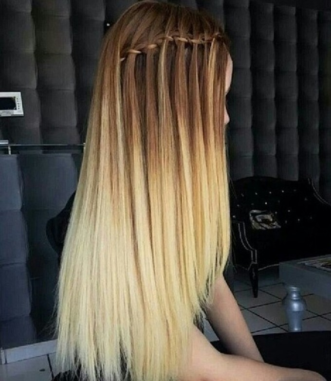 Вариант омбре на темные прямые волосы