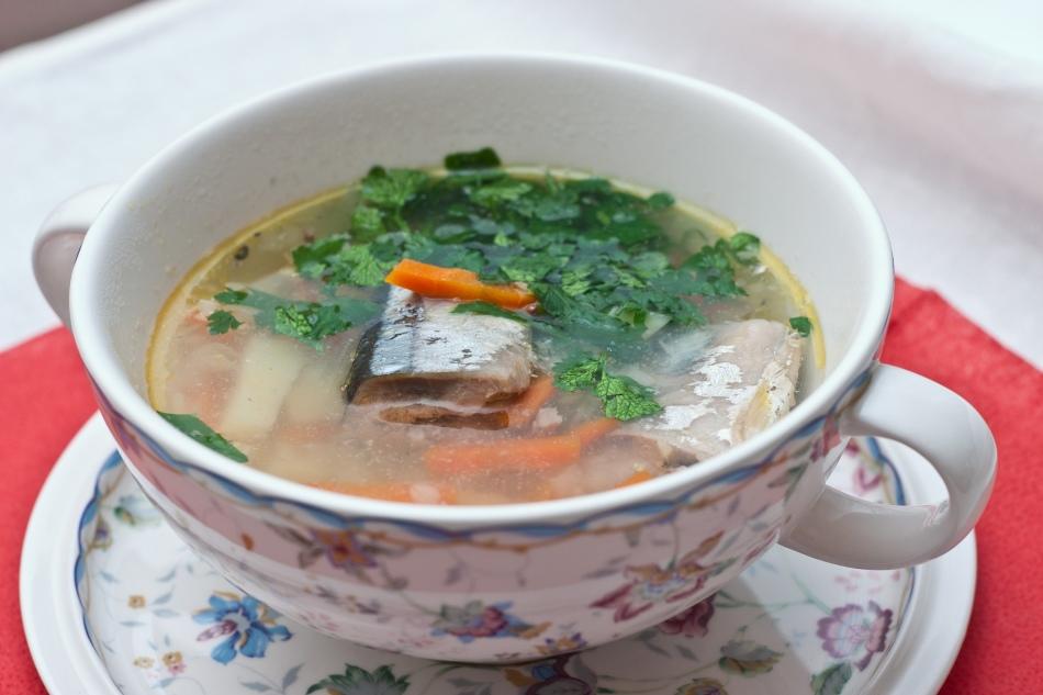 f0a106b558930f49320058411426cf1a Рыбный суп: вкусные рецепты из хека, семги, скумбрии, форели, сайры. Рецепт вкусного рыбного супа с томатами, пшеном, сливками, плавленным сыром