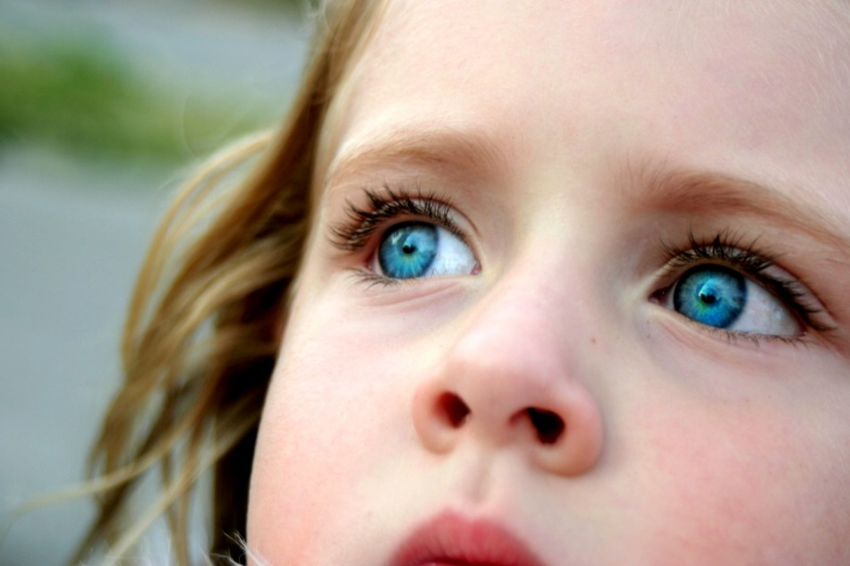 Почему мешки и синяки под глазами у грудного, пятимесячного, годовалого, двухлетнего, 4 летнего ребенка?