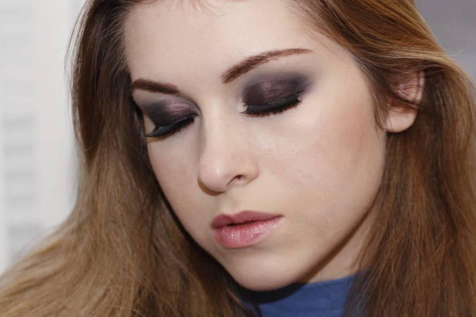 f23f7e37e47c2ce1c5fa3b61a5e9d912 Макияж Смоки Айс: техника. Смоки Айс для карих, зеленых, голубых и серых глаз, для глаз с нависшим веком