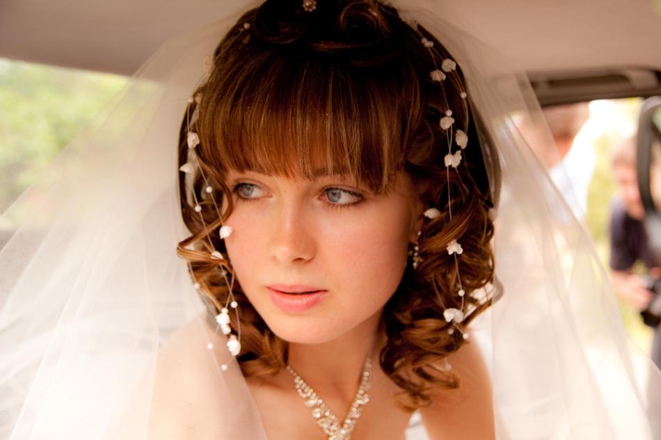 Стильная невеста с короткими волосами