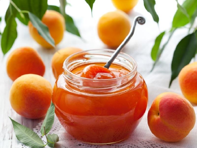 Яблочно-абрикосовое варенье - это особое лакомство
