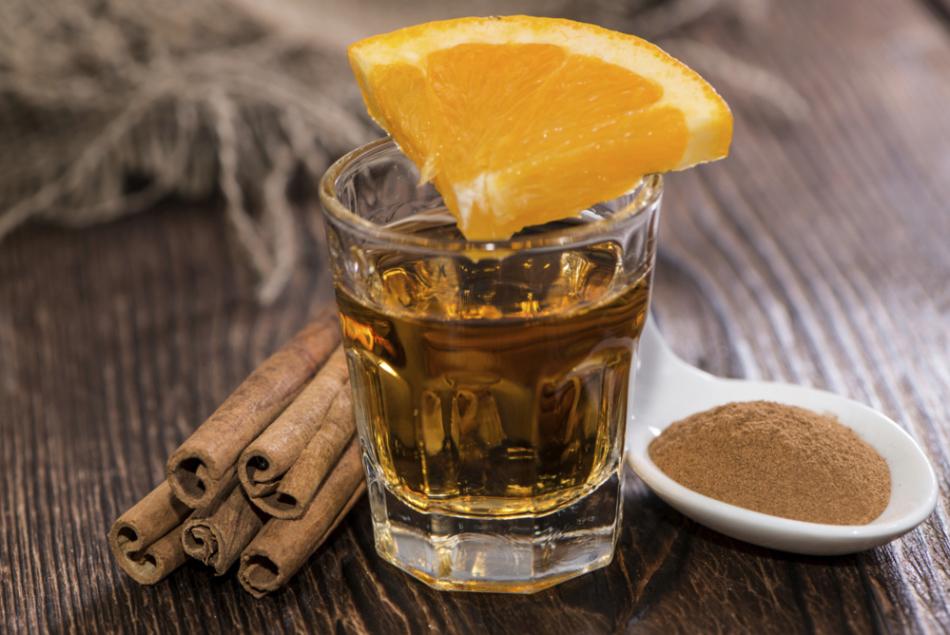 Как нужно пить текилу с корицей и апельсином?