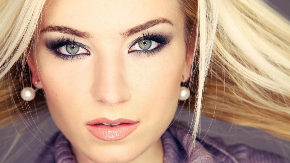 Свадебный макияж для блондинки с зелёными глазами