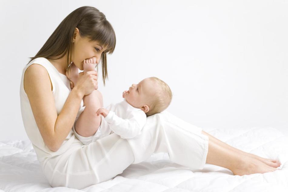 При грудном вскармливании укрепляется эмоциональная связь мамы и малыша