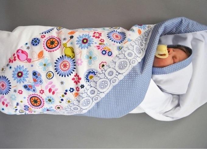 svoimi-rukami-mozhno-poshit-originalnii-krasivii-udobnii-i-bezopasnii-konvert-na-vipisku-novorozhdennogo Как сшить зимний утепленный конверт для новорожденного